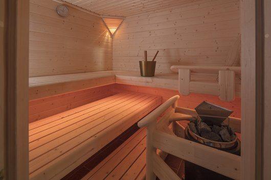 Blockbohlensauna von B+S Finnland-Sauna