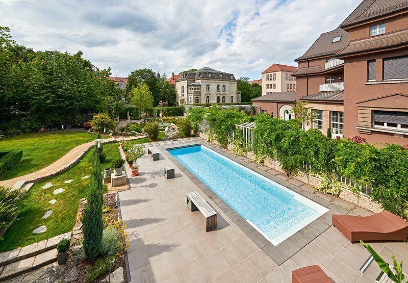 Beckenumrandung Gegenstromanlage Gartenpool Pool Garten Riviera-Pool Schwimmbadbau