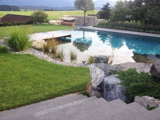 Natursteine verschönern auch Schwimmteiche und Naturpools