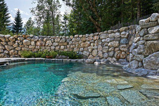 Klares Poolwasser gibt es nur mit optimaler Filtration. Foto: Tom Philippi