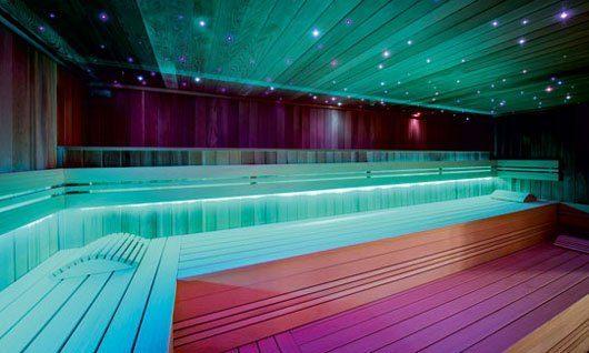 Auch die Stimmung in der Sauna nimmt mit der entprechenden Beleuchtung zu