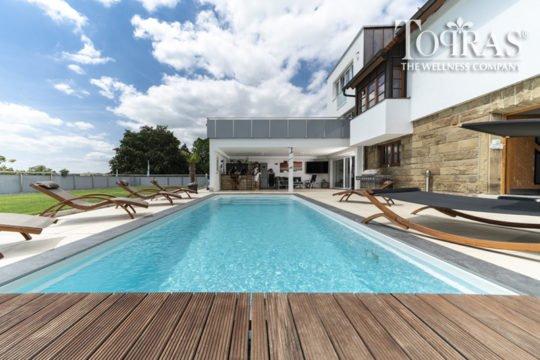Gladis Topras Pool