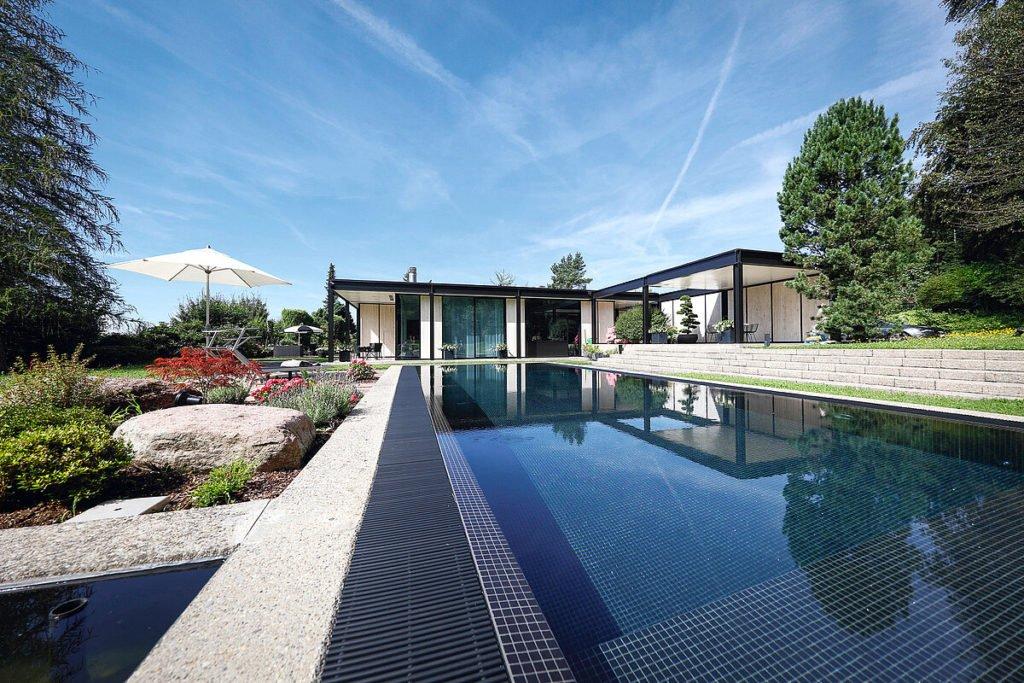 Riviera Pool Schwimmbecken