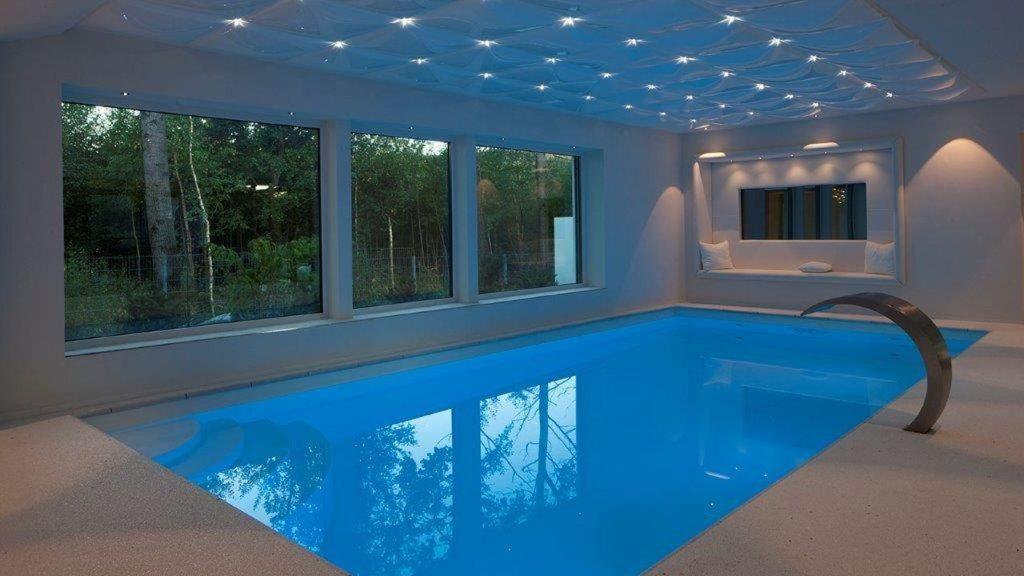 Höhlein Schwimmbad