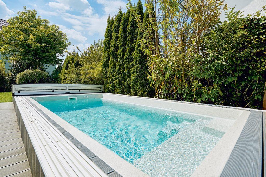 Aquacomet Swimming Pool und Poolüberdachungen