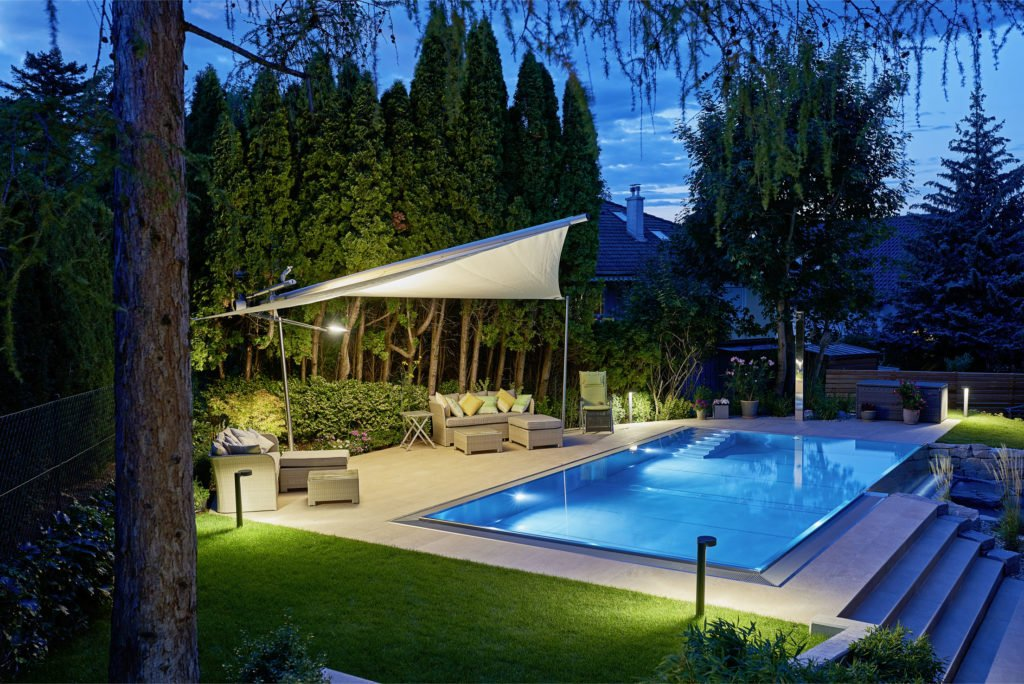 Swimmingpool, Edelstahl-Pool Schwimmbadbau Poolbeleuchtung LED Pool Infinity-Kante