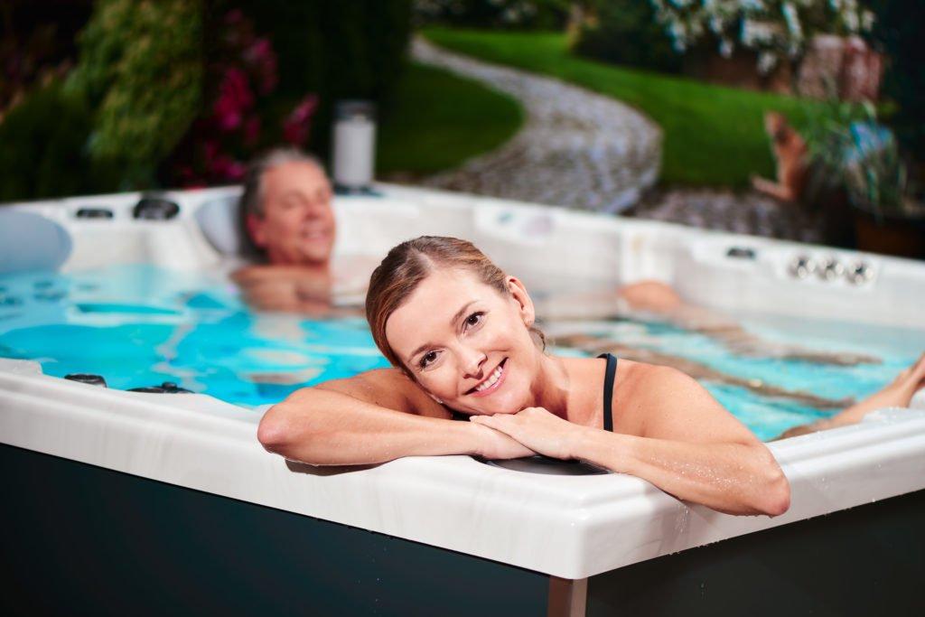 Das Bad im Whirlpool ist ein Fest für die Sinne
