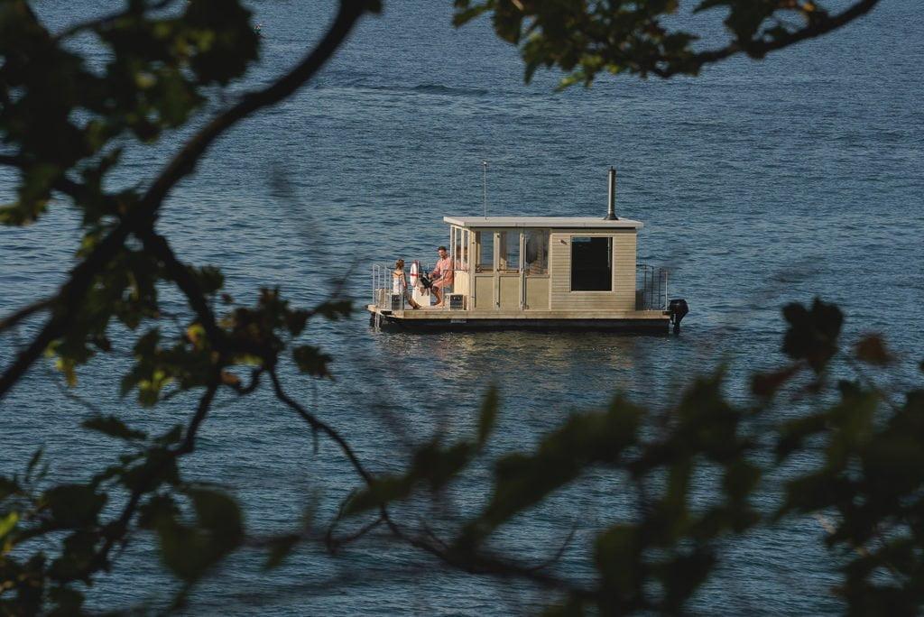 Aussensauna mal anders: Das Saunaboot auf dem Vierwaldstätter See in der Schweiz
