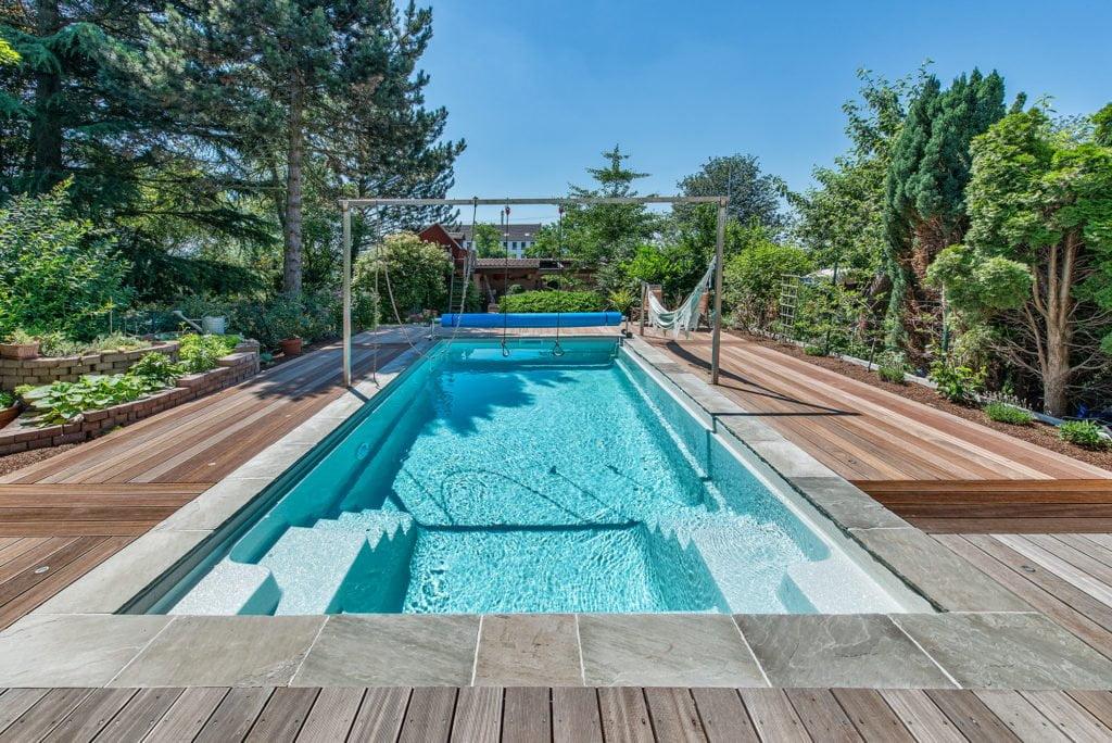 """Fertigbecken """"Carbon Ceramic Pool Elegant"""" mit Pool Isolierung von Compass Pools"""
