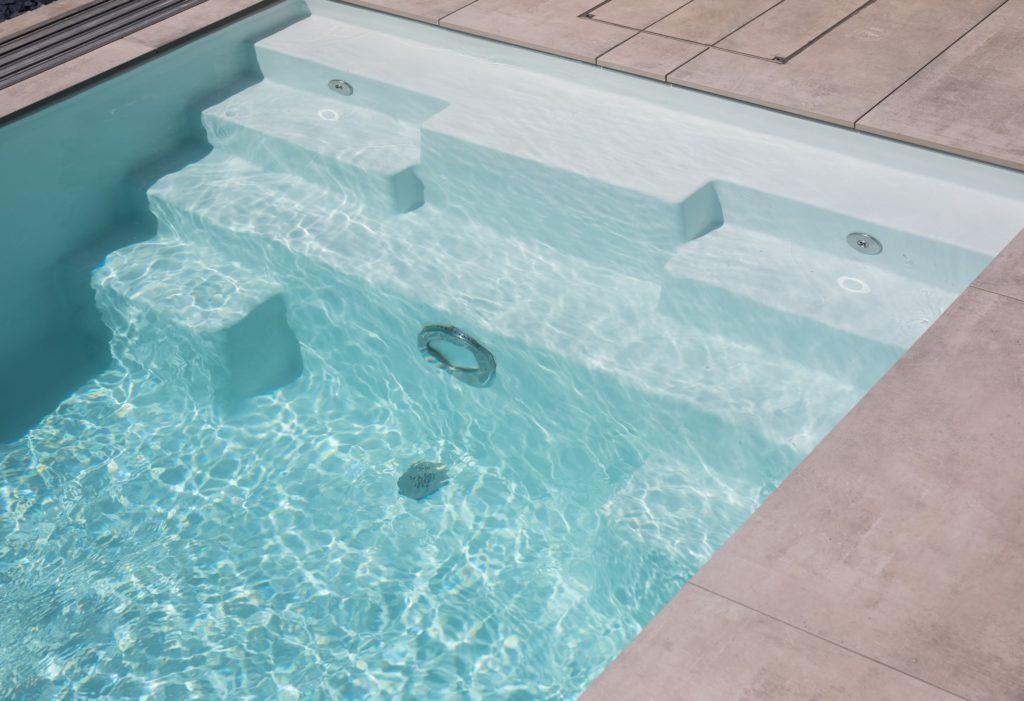 """Leidenfrost-pool: Fertigbecken """"Thelo 600"""" mit Pool Isolierung"""