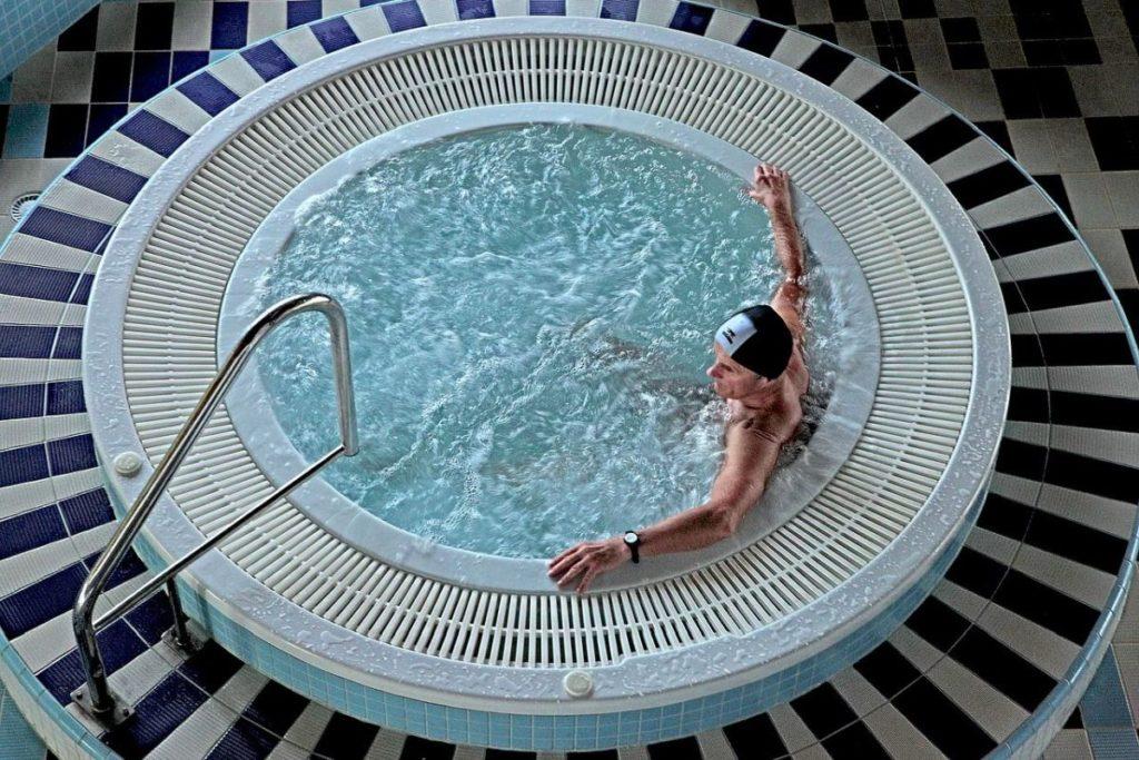 Whirlpool Indoor_Runder Whirlpool