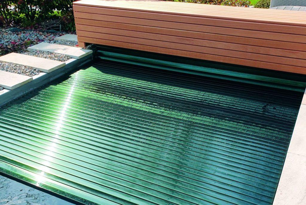 Schwimmbadabdeckung_Pool mit BAC Rollladen